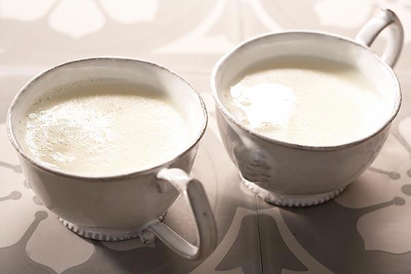 การดื่มนมอุ่น